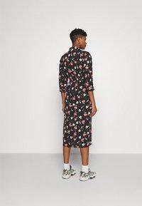 ONLY - ONLNOVA LUX 3/4 LONG DRESS - Košilové šaty - black - 2