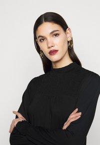 Dorothy Perkins Tall - BLACKSHIRRED DRESS - Jersey dress - black - 3