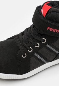 Reima - REIMATEC SHOES KEVENI UNISEX - Hiking shoes - black - 5
