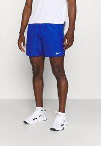 Nike Performance - CHALLENGER SHORT  - Sportovní kraťasy - game royal/silver - 0