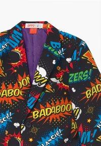 OppoSuits - BOYS BADABOOM SET - Suit - black/yellow/red - 3