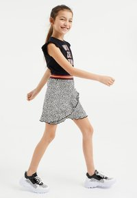 WE Fashion - MET DESSIN EN VOLANT - Vestido ligero - multi-coloured - 0
