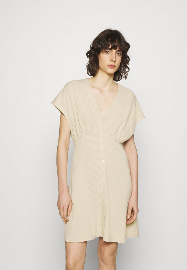 VALERIE SHORT DRESS - Sukienka koszulowa - brown rice