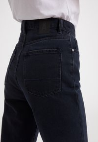 ARMEDANGELS - MAIRAA  - Slim fit jeans - black/blue - 3