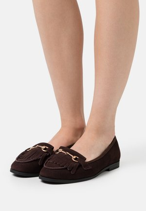 WIDE FIT FRINGE LOAFER - Instappers - choc
