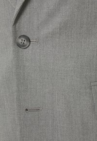 Isaac Dewhirst - THE RELAXED SUIT  - Oblek - light grey - 10