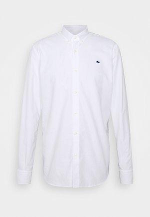 ESSENTIAL OXFORD PATCH - Košile - white