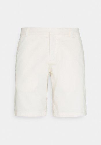 HILLS  - Shorts - pure white