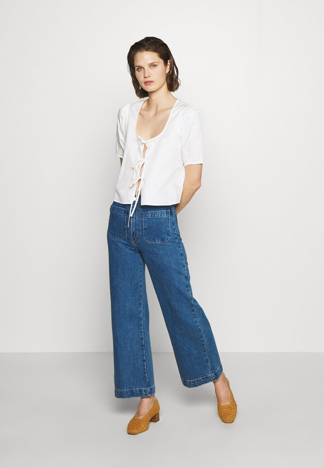 THE TIE FRONT - Blouse - white