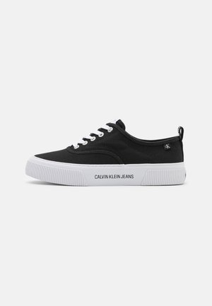 VULCANIZED SKATE OXFORD - Sneakers laag - black