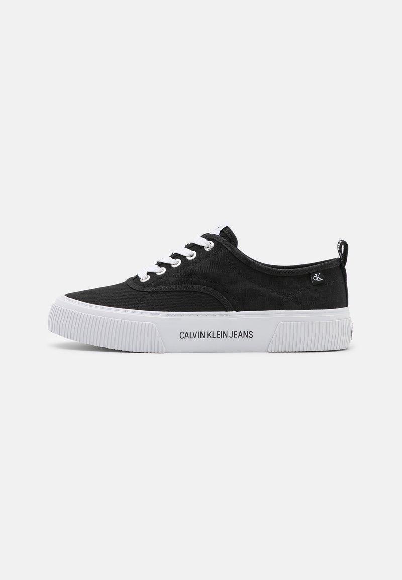 Calvin Klein Jeans - VULCANIZED SKATE OXFORD - Tenisky - black