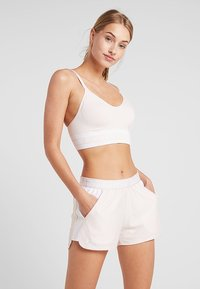 Under Armour - SEAMLESS LONGLINE BRA - Urheiluliivit - apex pink/white - 0