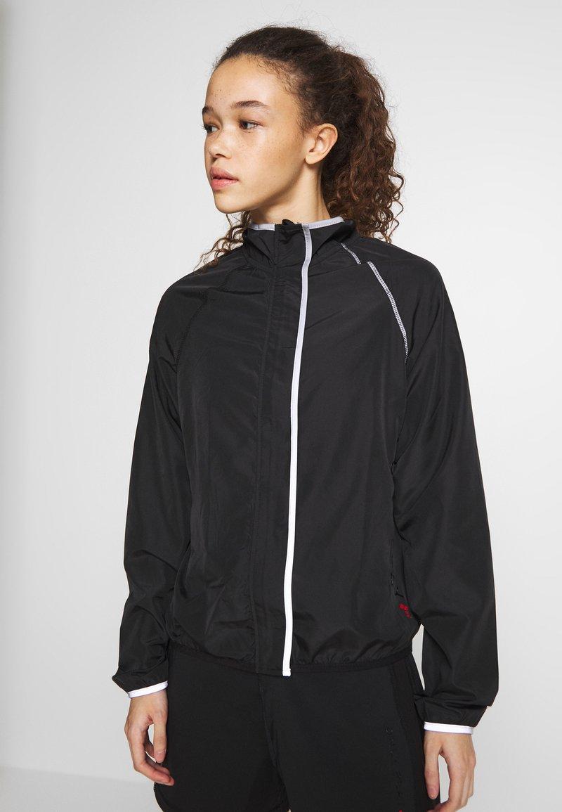 ONLY PLAY Petite - ONPPERFORMANCE RUN JACKET - Sportovní bunda - black