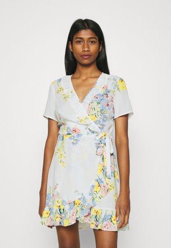 ONLALMA LIFE WRAP DRESS - Vestido informal - cloud dancer/summer botanic
