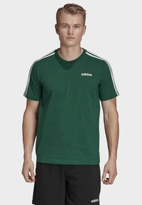 adidas Performance - ESSENTIALS 3-STRIPES T-SHIRT - T-shirts print - green - 0