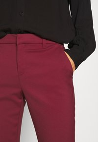 Vero Moda - VMLEAH CLASSIC PANT - Trousers - cabernet - 6