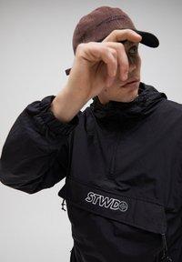 PULL&BEAR - Summer jacket - black - 4