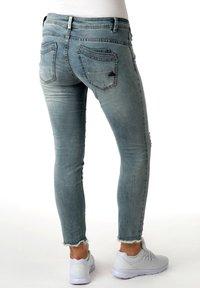Buena Vista - MALIBU - Slim fit jeans - light blue denim - 1