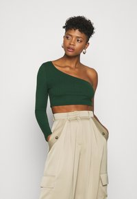Glamorous - CROP ASYMMETRIC ONE SLEEVE 2 PACK - Long sleeved top - black / forest green - 3