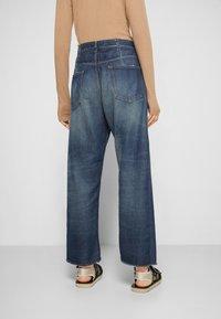 MM6 Maison Margiela - PANTS 5 POCKETS - Relaxed fit jeans - vintage/blue - 3