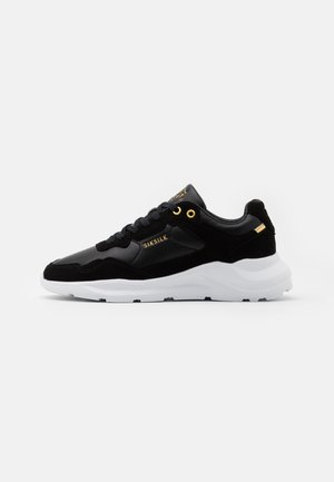 FAZE - Trainers - black