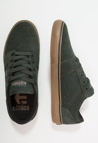 Etnies - BARGE - Sneakersy niskie - green - 1