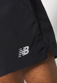 New Balance - ACCELERATE - Sports shorts - black - 5