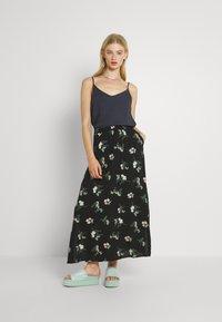 Vero Moda - VMSIMPLY EASY SKIRT - Maxi skirt - black - 1