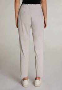 Oui - Tracksuit bottoms - silver lining - 2