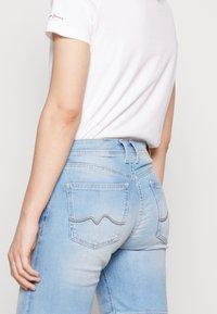 Pepe Jeans - POPPY SHORT PRIDE - Jeansshort - denim - 4