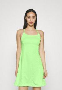 Nike Sportswear - Vestido ligero - lime glow/barely green - 0