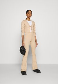 Topshop - FLARE AND TIE FRONT SET - Cardigan - sand - 1