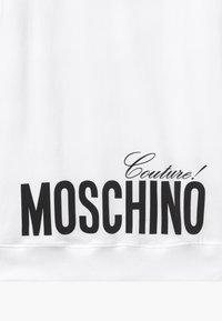 MOSCHINO - Denní šaty - white optic - 3