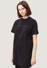 Napapijri - SAIT  - Print T-shirt - black - 0