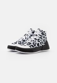 adidas by Stella McCartney - ASMC TREINO MID PRINTED - Sportovní boty - footwear white/core black/cloud white - 1