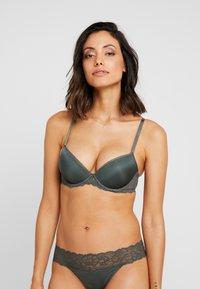 Calvin Klein Underwear - COMFORT LIFT - Push-up BH - mountain ash - 0