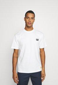 Caterpillar - CAT SMALL LOGO - Print T-shirt - cream - 0