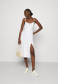 Abercrombie & Fitch - PRINT MIDI DRESS - Day dress - white grounded - 1
