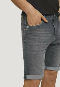 TOM TAILOR - Jeansshorts - clean mid stone grey denim - 3
