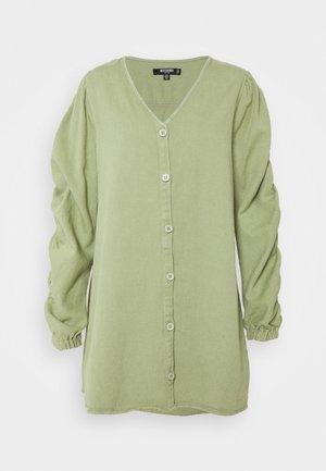 V NECK BUTTON UP DRESS - Jurk - green