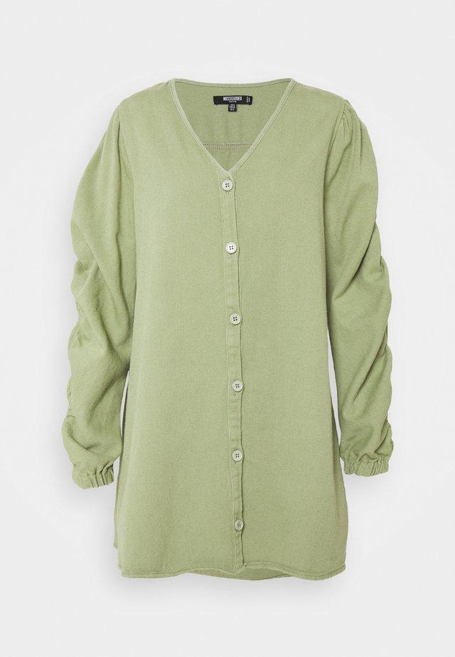 V NECK BUTTON UP DRESS - Korte jurk - green