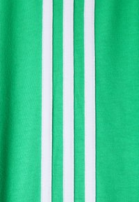 adidas Originals - STRIPES TEE - Printtipaita - semi screaming green - 2