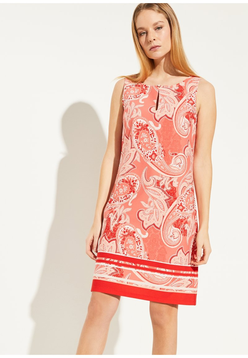 comma - MIT ALLOVER-PRINT - Day dress - coral paisley print