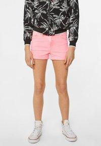 WE Fashion - WE FASHION MEISJES SKINNY FIT DENIMSHORT - Jeansshort - pink - 1