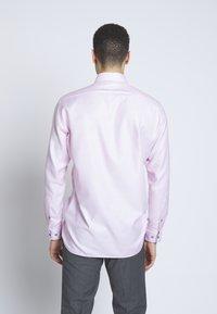 OLYMP - OLYMP LUXOR MODERN FIT - Shirt - rose - 0