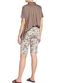 Buena Vista - Shorts - tropical brown - 1