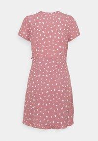 Abercrombie & Fitch - RUFFLE WRAP DRESS - Day dress - pink geo spot - 1