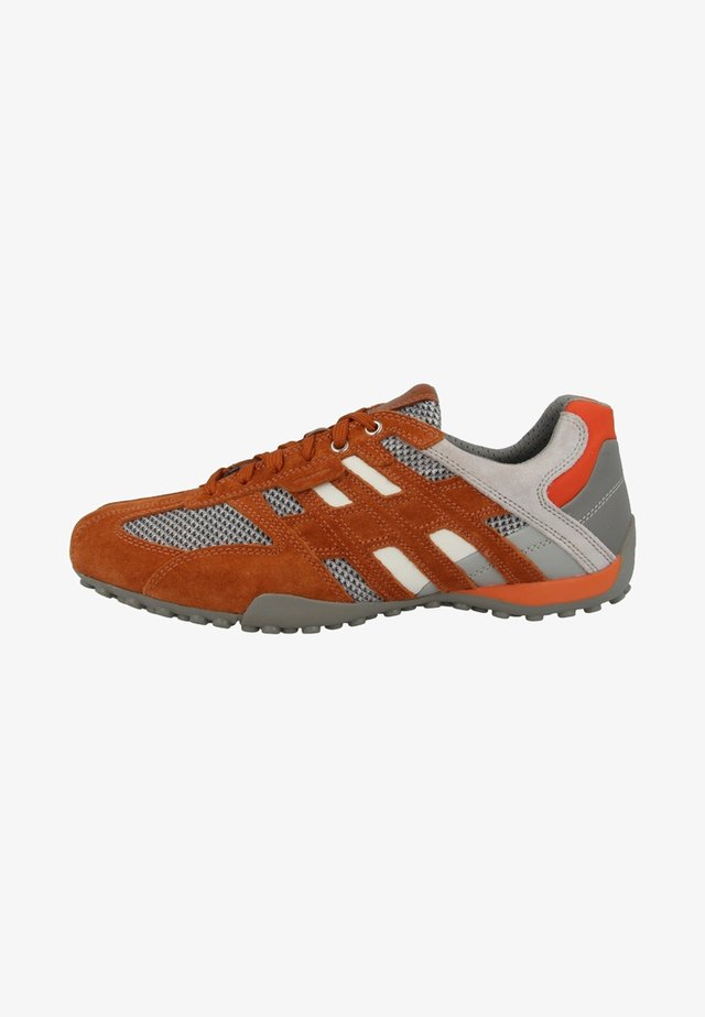 UOMO SNAKE - Trainers - orange