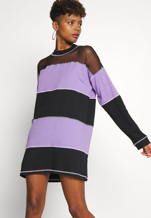 SKATER DRESS - Robe en jersey - black/purple