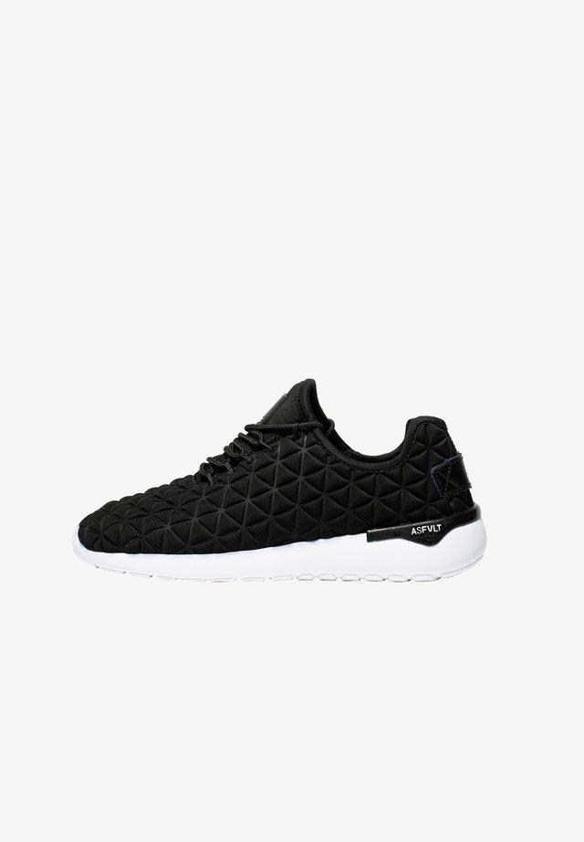Sneakers laag - black white
